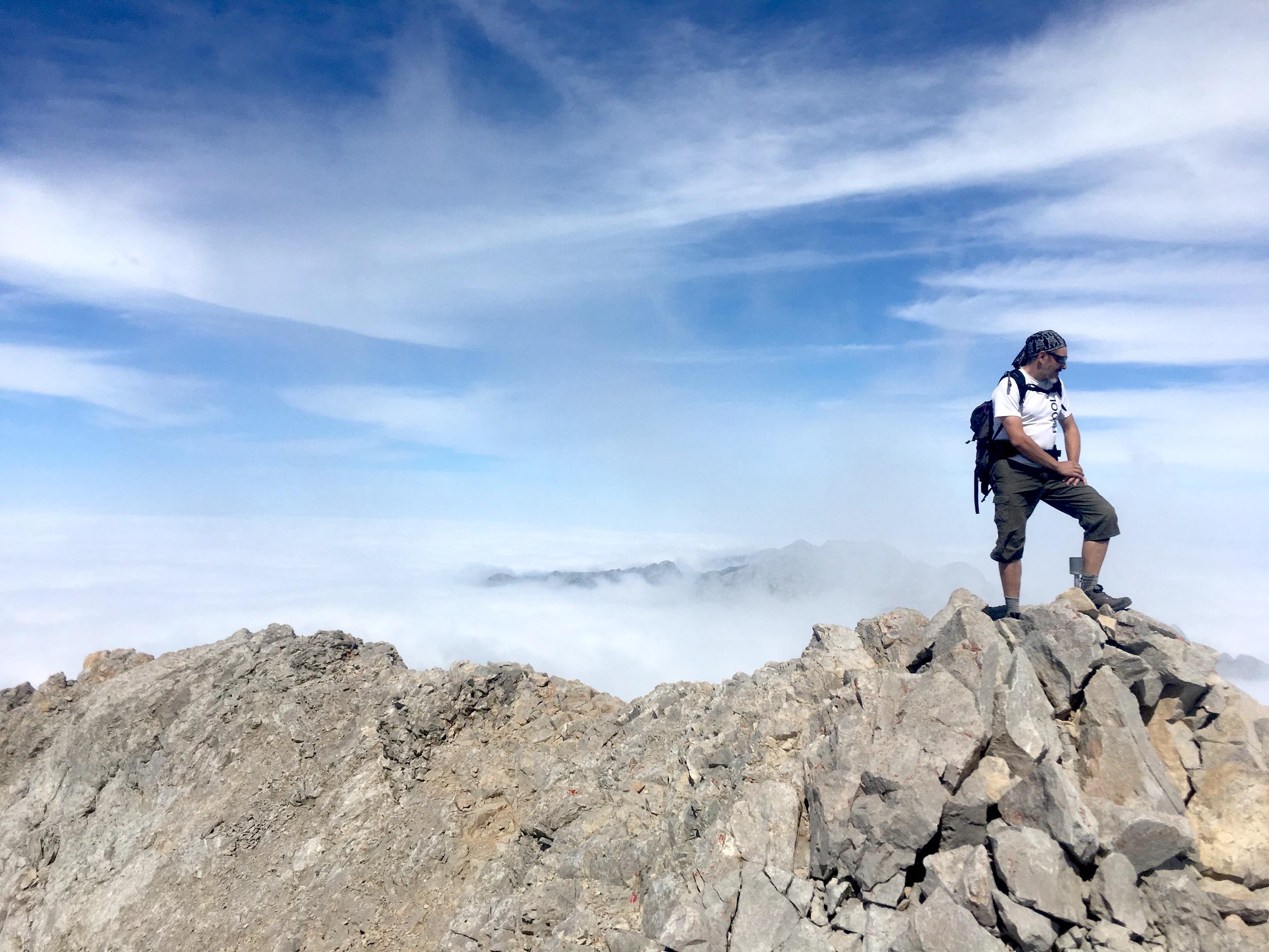 En la cumbre Peña Vieja (Picos de Europa)